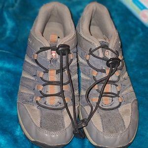 Swissgear hiking shoes boys/youth